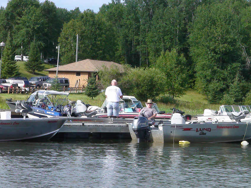 Our boats fisherman 39 s cove on famous lac seul for Lac seul fishing resorts